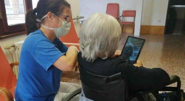 Operatori socio sanità, ribatezzati infermierini
