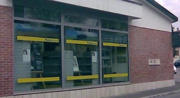 Ufficio Postale A Verona : Poste italiane via casale castelrosso chivasso rapina a