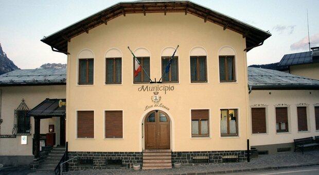 Il municipio di Colle Santa Lucia
