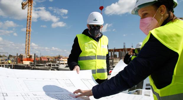 I lavori nei cantieri edili messi a rischio dai maxi-aumenti dei materiali