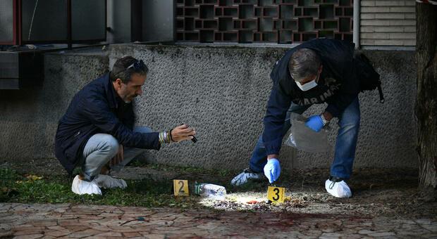 Milano, 36enne accoltellato alla gola durante una lite: morto dopo il ricovero in ospedale
