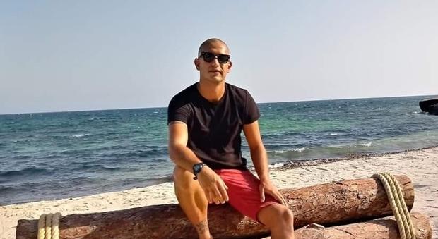 Tragico incidente stradale: Nicolas muore a 29 anni schiantandosi con l'auto