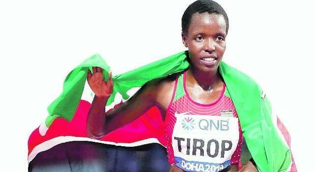 Agnes Tirop, star keniota dell'atletica uccisa a coltellate in casa dal marito: l'uomo è in fuga
