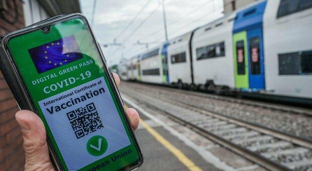 «Green Pass per scuola e trasporti». Draghi accelera, domani in cdm
