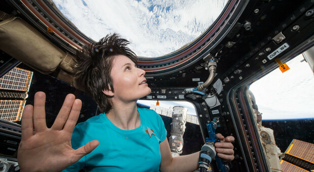 Samantha Cristoforetti torna nello spazio: «Di nuovo in orbita sull'Iss pensando alla Luna». In volo con CrewDragon di SpaceX di Elon Musk o con Starliner della Boeing