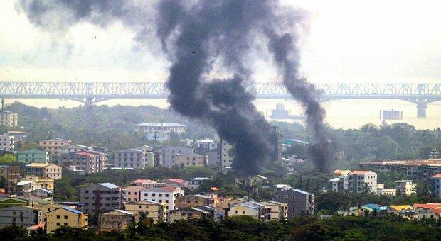 Birmania, le autorità bruciano droga per 500 milioni di dollari