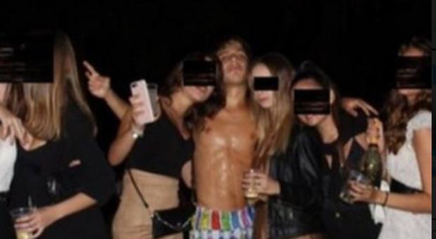 """Ciro Grillo, i verbali della ragazza: «Mi hanno costretta a 7 rapporti, mi chiamavano """"cagna""""»"""