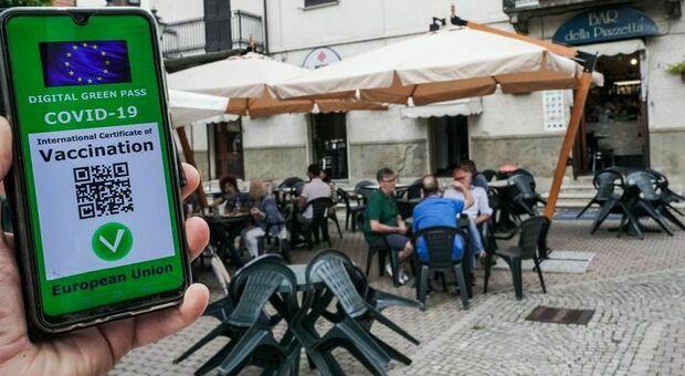 Green pass in ristoranti al chiuso e palestre dal 5 agosto (non gli aerei). Testo in Pdf. Discoteche non riaprono