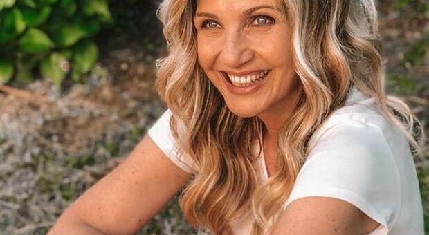 Lorella Cuccarini, confessione a Verissimo: «Mi è stato detto di aver pugnalato alle spalle un collega, ma la verità è un'altra»