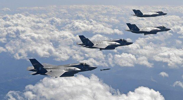 Aerei Da Caccia Corea Del Nord : Corea del sud aerei usa sganciano bombe inerti al confine