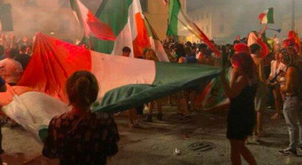 Foggia, ucciso a colpi di pistola durante i festeggiamenti per L'Italia: grave il nipote di 10 anni