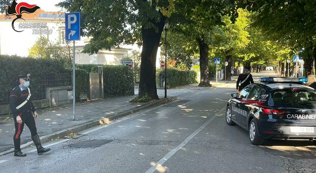 I carabinieri di Castelfranco intervenuti a casa dell'anziana