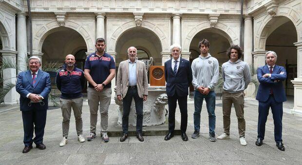 Presidenti, allenatori e capitani di Petrarca e Rovigo alla presentazione insieme all'assessore Diego Bonavina e al presidente della Federugby Marzio Innocenti