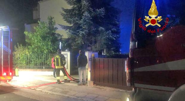 Principio di incendio a San Vito di Leguzzano, casa invasa dal fumo