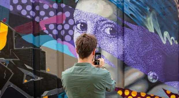 Eindhoven, tour alla ricerca dei graffiti più incredibili
