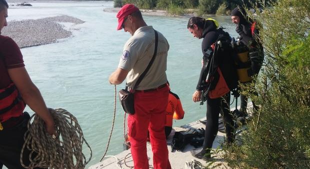 Elicottero Bologna Oggi : Diciassettene scomparso nel fiume arriva anche l