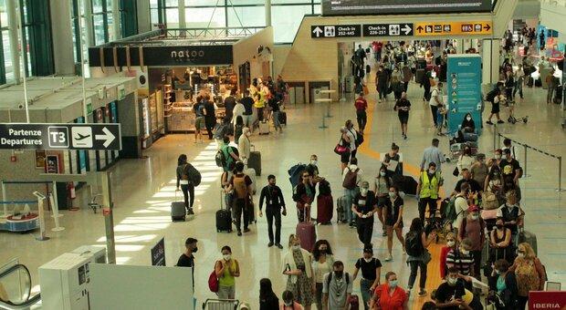 Variante Delta e turismo, piovono disdette: «Troppe incognite in agosto»