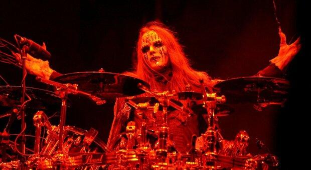 Joey Jordison, batterista e fondatore Slipknot, morto a 46 anni: dolore sui social network
