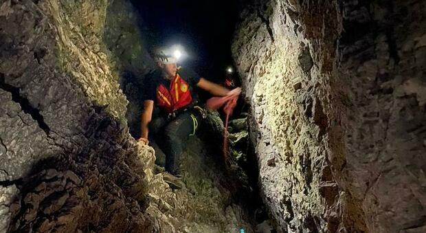 Escursionisti in difficoltà sulla ferrata: salvati nella notte