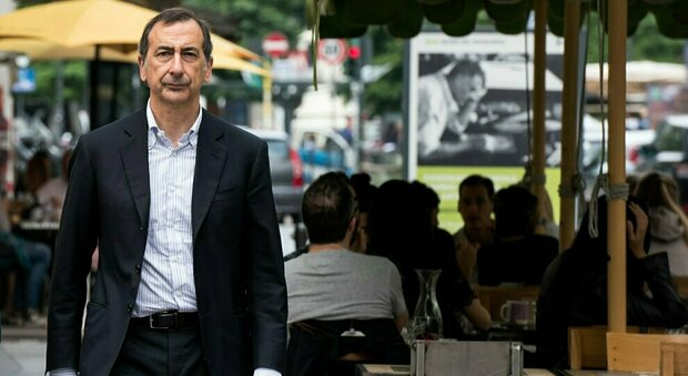 Covid Milano, il sindaco Sala: «Agli over 65 dico restate a casa, siete quelli più a rischio»