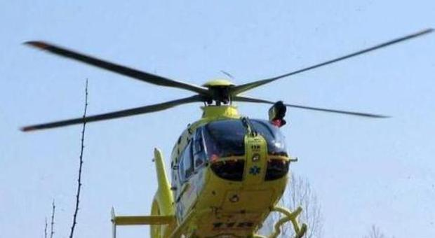Elicottero 5 Pale : Provano l elicottero scendono e vengono colpiti dalle