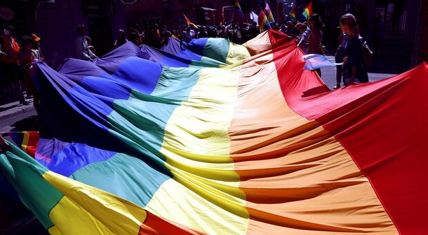 Spagna, aperta inchiesta su corteo anti-Lgbt+ a Madrid