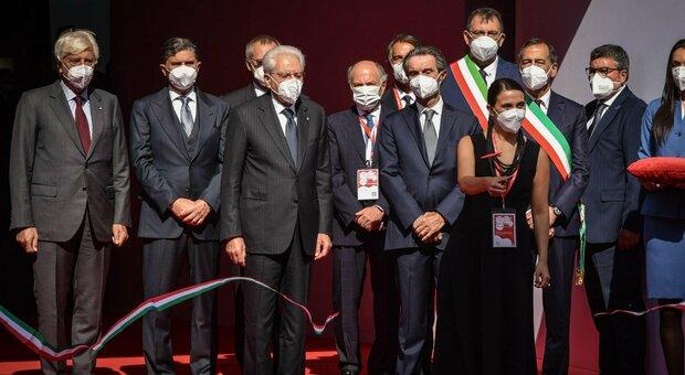 Salone del Mobile inaugurato a Milano. Mattarella: «Momento di rilancio del Paese»