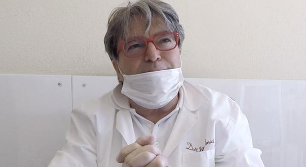 Mariano Amici, medico no-vax sospeso e senza stipendio. D'Amato: «Non vaccinato nonostante ripetuti solleciti»