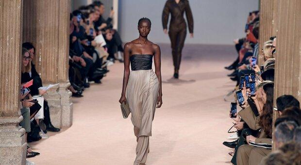 Milano Fashion Week al via da domani, tornano le sfilate in presenza: ecco il calendario