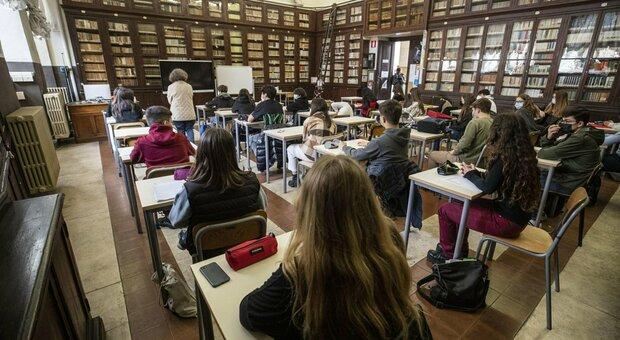 Scuola, in classe un'ora in più: lezioni di sessanta minuti (come prima del Covid)