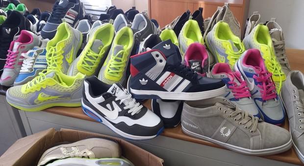 Acquista scarpe adidas e nike - OFF37% sconti 75548af3f4e