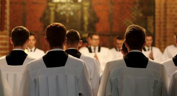 Abusi, trasparenza anche dai vescovi spagnoli, in 10 anni denunciati 220 preti pedofili