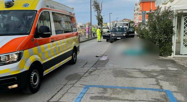 Il cadavere della donna in lungomare Trieste a Caorle