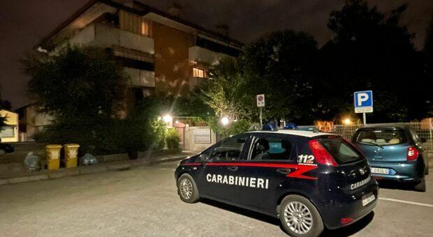 I carabinieri davanti alla casa di Marco Turrin a Vigodarzere
