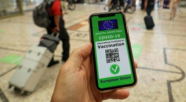 Green pass in Europa, dalla Francia alla Grecia: come funziona il certificato verde Paese per Paese