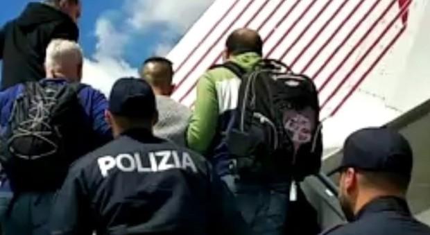 Tunisino espulso e messo sul volo stop al permesso per for Permesso di soggiorno padova