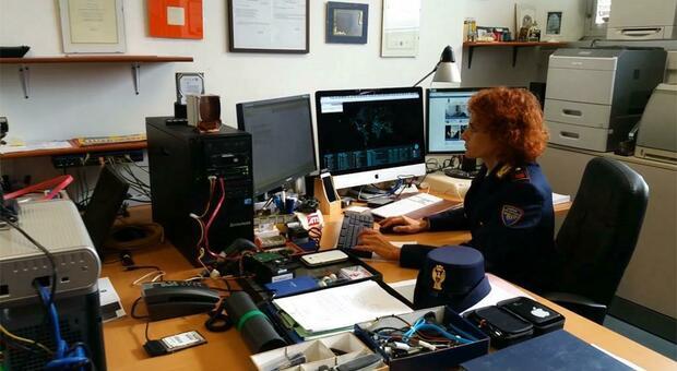 Migliaia di immagini di violenze su bambini piccoli, arrestato impiegato