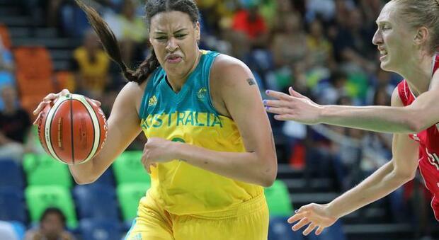 Covid, cestista australiana rinuncia alle Olimpiadi: «Ho troppi attacchi di panico, non voglio trasferirmi in una bolla »