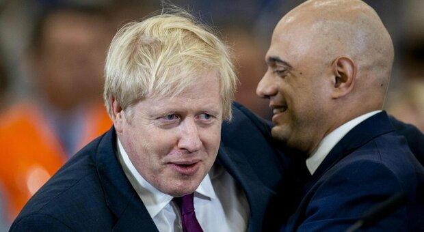 Gran Bretagna, Boris Johnson a contatto con il Ministro della Salute (positivo dopo due dosi) ma niente isolamento