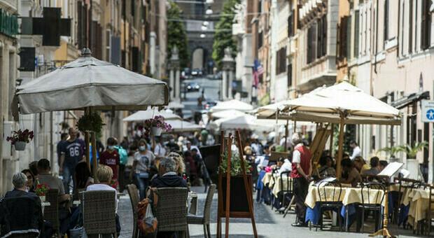 Covid Lazio, bollettino 23 luglio: oggi 854 nuovi casi (+62) e un morto. A Roma 544 contagi