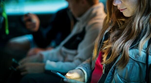 Facebook vuole conquistare i pre-adolescenti: Wsj, ha creato team per studiare questa fascia d'età