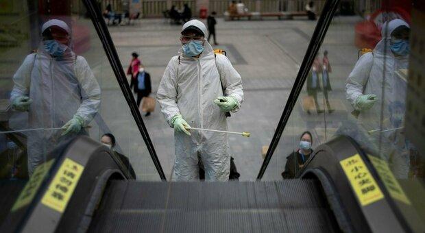 Virus in laboratorio, intelligence anglosassone: la Cina ha nascosto prove. Gli Usa riaprono l'inchiesta