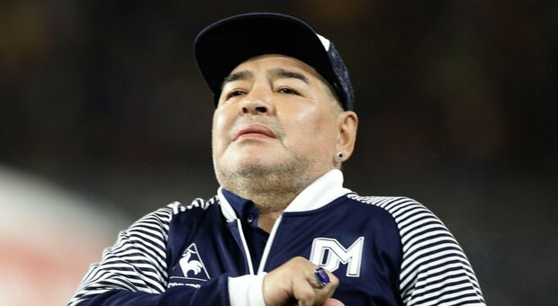 Maradona, parla il chiururgo: «Sta bene. Ha ballato, ma è anche confuso»