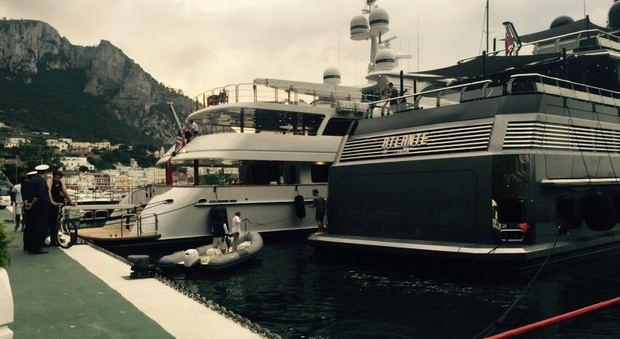 Matrimonio In Yacht : Mr moncler ospite di nozze vip ma lo yacht si arena nel