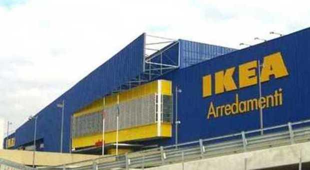 Choc all 39 ikea un bambino di 4 anni rischia di morire per - Ikea porta di roma telefono ...