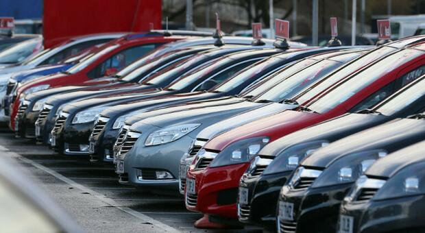 Incentivi auto usate (ma ecologiche): il governo stanzia 40 milioni. Martedì prenotazioni on line