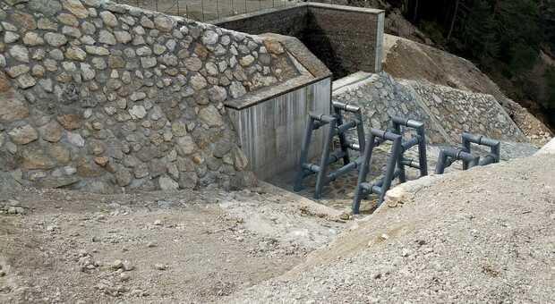 La briglia di contenimento realizzata sul fianco dell'Antelao per mettere in sicurezza Cancia