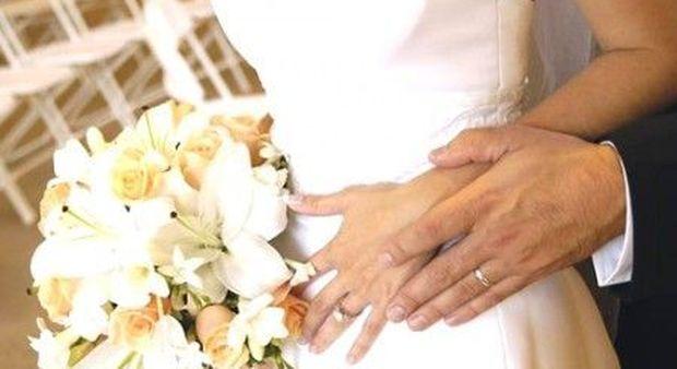 Matrimonio In Rissa Piacenza : Lo sposo quot beccato dal suocero con la testimone scoppia