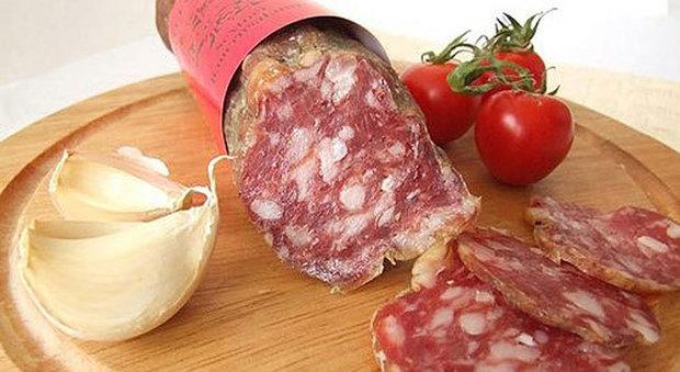 Ritirato dai supermercati Auchan il salame boscaiolo: rischio contaminazione batteriologica