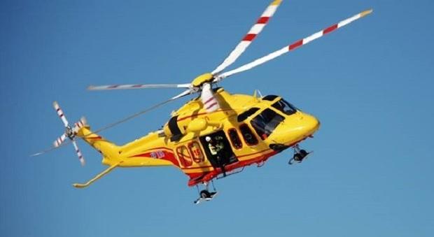 Elicottero In Tedesco : Cade dalla roccia durante il raduno europeo delle